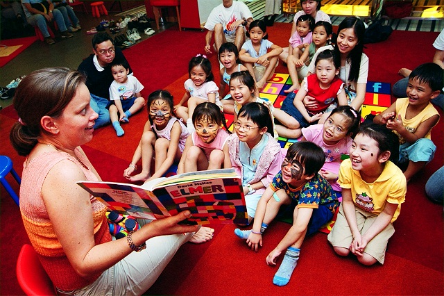 Storytelling in classroom