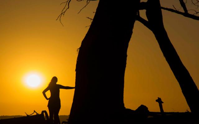 internal-lady-sunset
