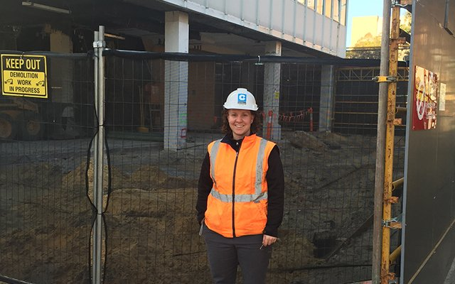women in construction and building