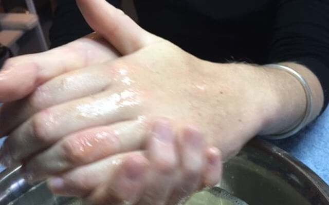 Exfoliate your hands perfectly